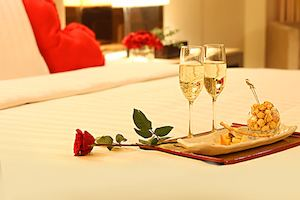 Create The Perfect Romantic Stay In One Of Midas Hotel Casinos Deluxe Room This Valentines Day 89518